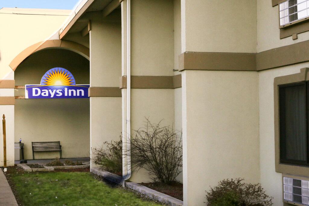 Exterior shot of Days Inn hotel